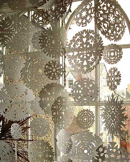 120409-snowflake-curtain-1